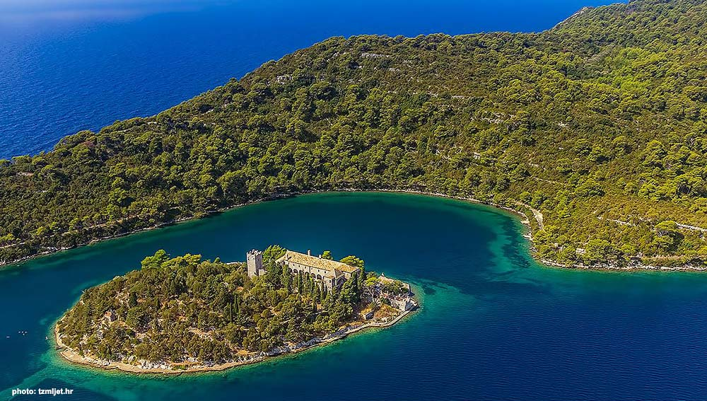 Small Jet Boats >> Mljet National Park